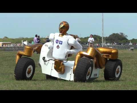 STS-133 NASA Tweetup gets a Robonaut/RoboCentaur demonstration