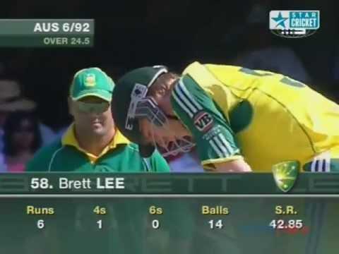 Brett Lee Batting Sehwag Style Against South Africa Vb Series 2005-06 video