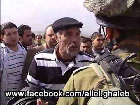 حوار رائع ومشوق بين مواطن فلسطيني وجندي اسرائيلي Music Videos