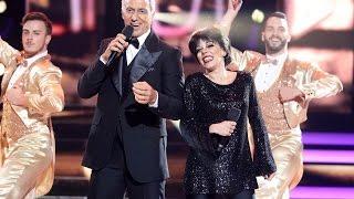 Beatriz Luengo y Pablo Puyol imitan a Liza Minnelli y Frank Sinatra - Tu Cara Me Suena