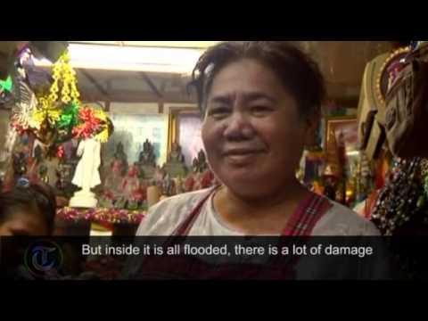 Thailand floods threaten Bangkok