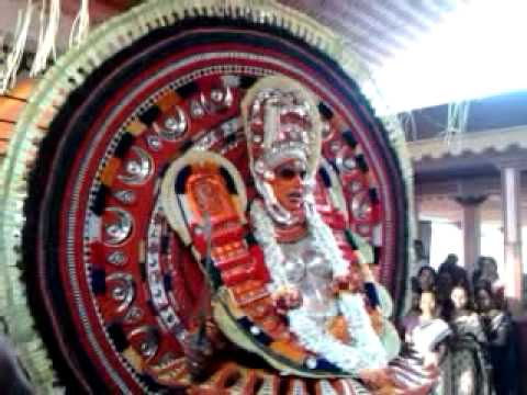 Karalam sree chamundeswari kshethram theyyam l.. chamundi