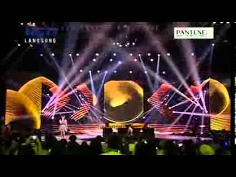 LENKA  TROUBLE IS A FRIEND - GALA SHOW 11 - X Factor Indonesia...