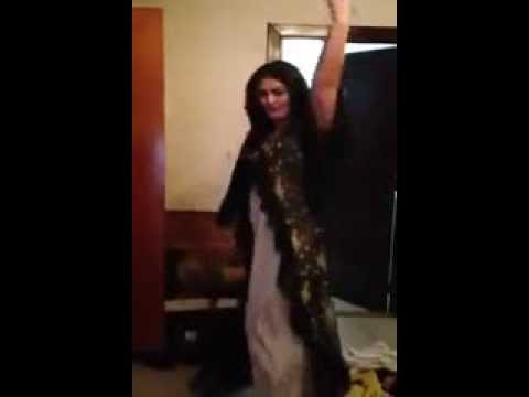 Pashto Most Famous Singer Ghazala Javed Home Dance video