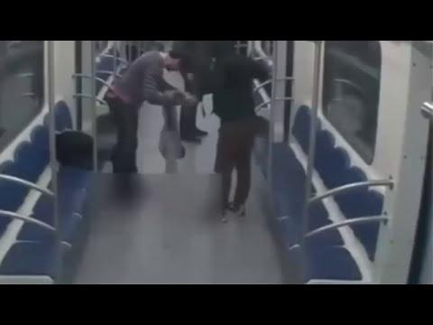 Brutal ataque registrado por una cámara de seguridad en Moscú
