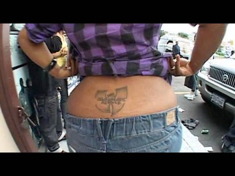 Female Fan Has Wu-Tang Tattoo on her Ass