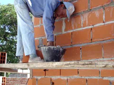 Levantando paredes youtube - Como revocar una pared de ladrillo hueco ...