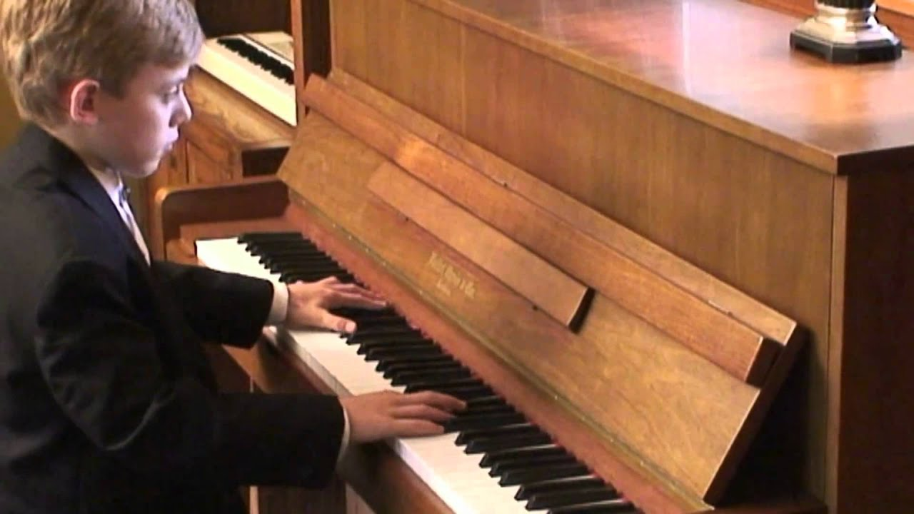 Best Youngest Piano Player Ever! HD - YouTube