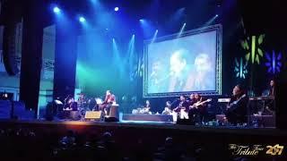 download lagu Mere Rashke Qamar Baadshaho Version Live  Ustad Rahat gratis