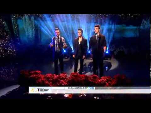 """Il Volo - """"Today Show"""" performing """"Questo Amore"""" (I don't wanna miss a thing- Aerosmith) 26/11/2012"""
