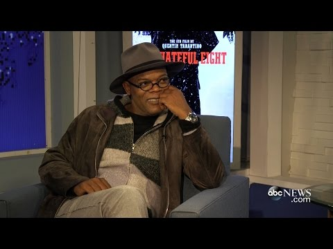 Samuel L. Jackson Says New Star Wars Cast Needs Lightsaber Training
