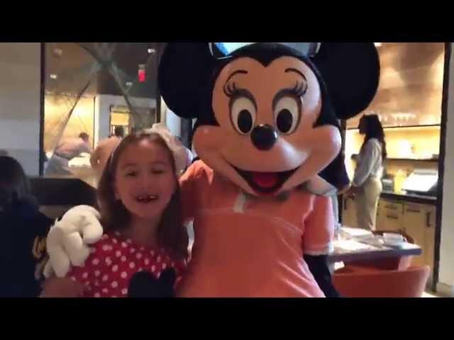 Four Seasons Disney Character Breakfast #FSFamily #DisneyKids