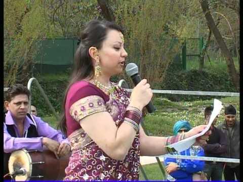Italan girl singing in hindi Music Videos