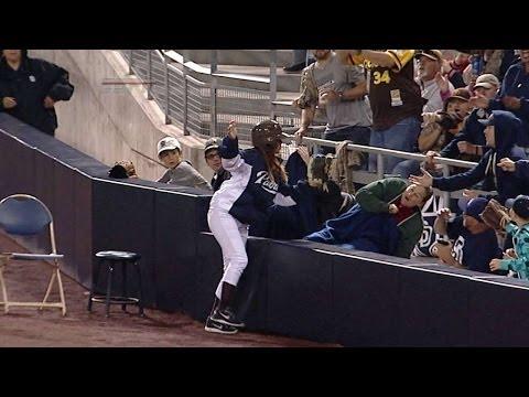 MLBのボールガールが試...