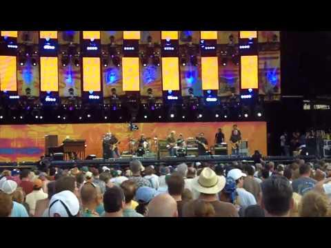 Derek Trucks, D Hidalgo and C Rojas - Clapton's Crossroads Guitar Fesival 2010