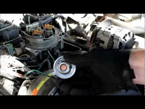 How to Replace a Thermostat on a Chevy Truck