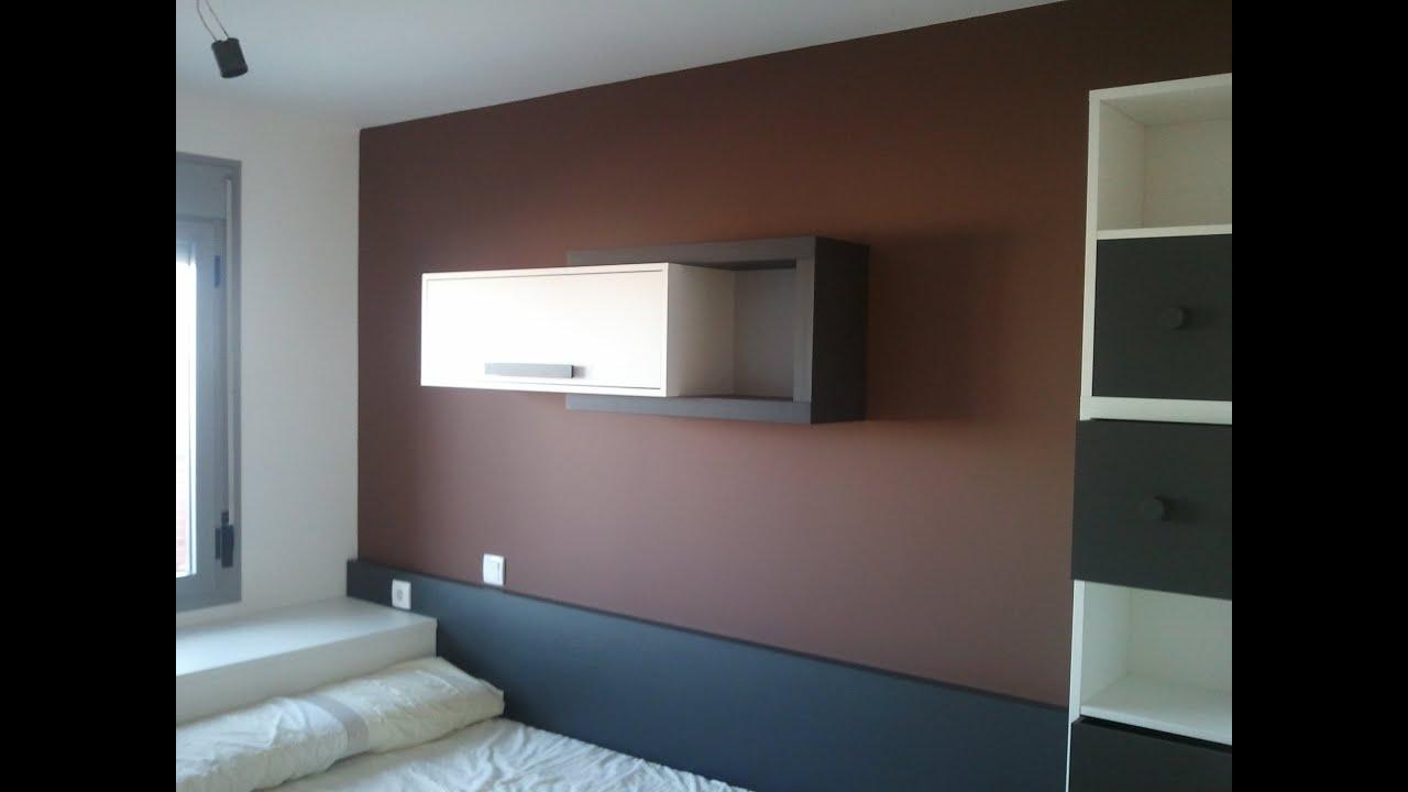 Pintar paredes en plastico blanco y esmalte marron oscuro for Colores para pintar puertas de interior
