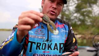 How to pick the right color plastic worm when bass fishing - Exclusive fishing tip with Scott Martin