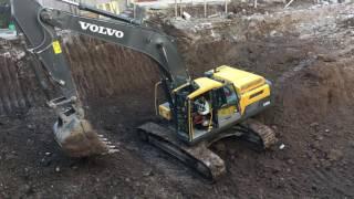 Volvo EC250E-EC300E crawler excavators promotional video