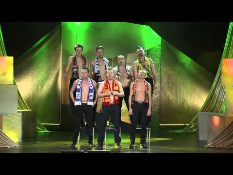Kabaret Smile/ Ani Mru-Mru/ Kabaret Młodych Panów - Piosenka Kibiców (Official HD, 2014)ow