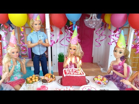 Barbie Birthday Party Routine in Hello Dream House باربي عيد ميلاد الحزب Barbie Festa de Aniversário