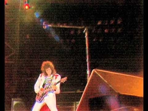 Bohemian Rhapsody  - Queen Play Rock Band Live At Wembley Stadium!