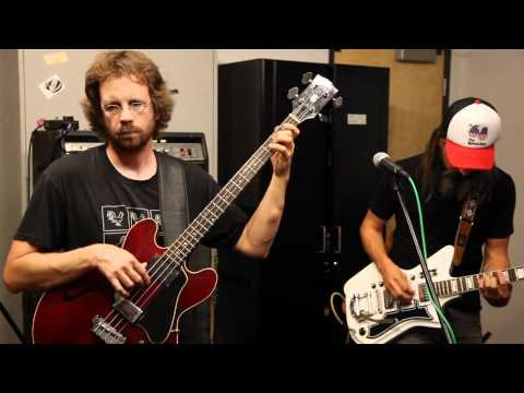 Wooden Shjips - Fallin' (Live on KXLU)