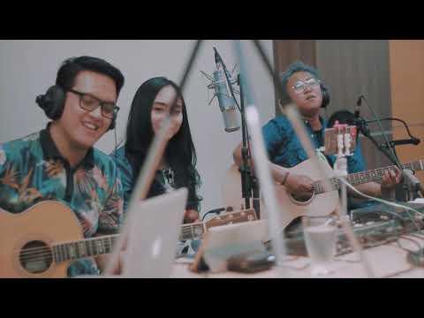 BEDA ft Aviwkila - Esok Kan Masih Ada (Utha Likumahuwa Cover)