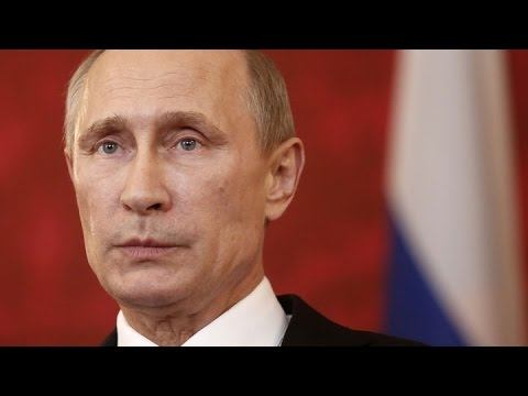 Can Vladimir Putin Survive the Fall of the Russian Ruble?