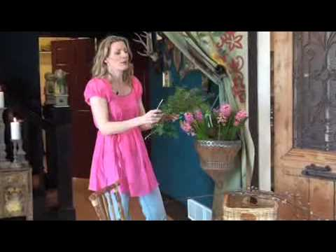 Tracy Porters Creative Easter Flower Arranging Video