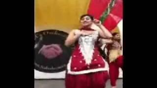 Download pinky moge wali dancing in desi sexy style {punjabi lady gaga} 3Gp Mp4