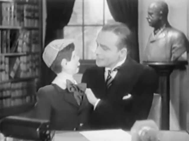 Charlie McCarthy & Edgar Bergen in 'Nut Guilty' (1936)