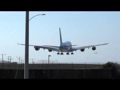 Korean Air Airbus A380-861 (HL7621) Landing in Los Angeles International Airport