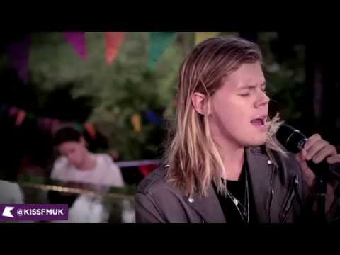 Kygo ft Conrad performing Firestone | KISS Live Session