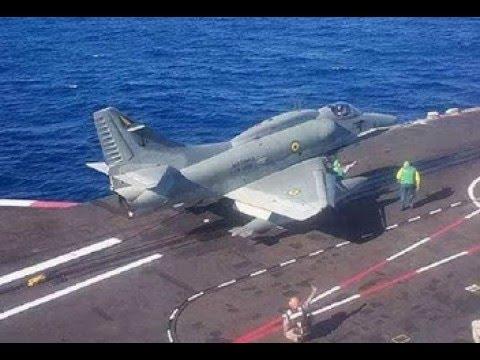 Caças Skyhawk e porta-aviões A-12 SP marinha do Brasil