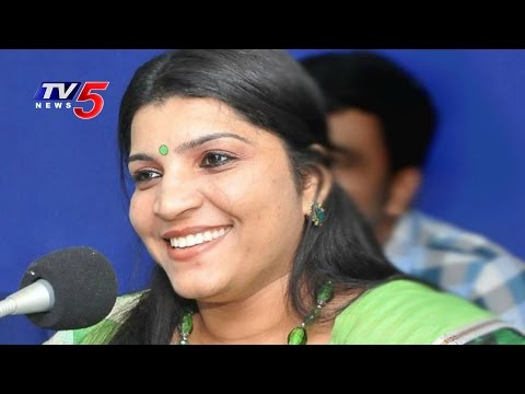 Who is Saritha Nair ? | Why Saritha Turns as Solar Saritha ? | TV5 News