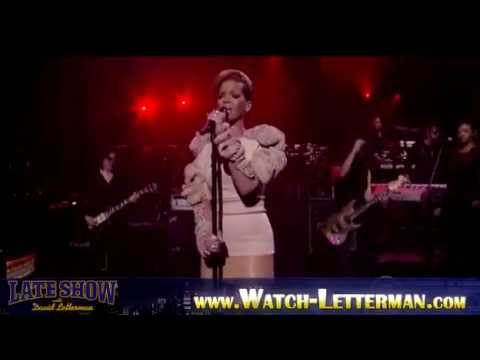 Rihanna on David Letterman - Guitarists Nuno Bettencourt&Carl Restivo