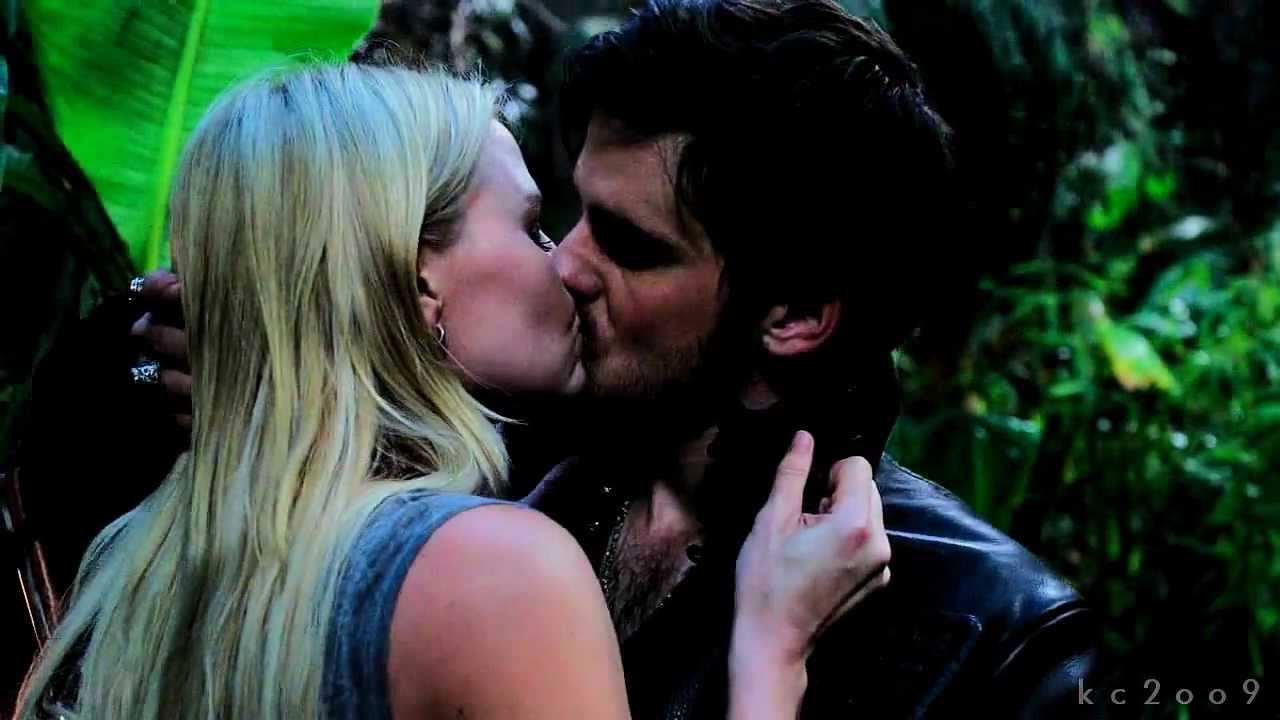 Once Upon A Time Captain Hook And Emma Kiss Gif Emma and Hook  Captain Swan