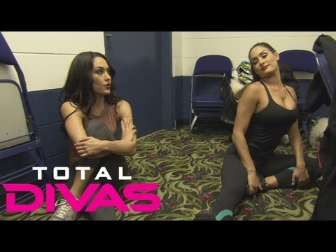 Nikki Bella worries about the extent of her injury: Total Divas bonus clip, Sept. 8, 2013
