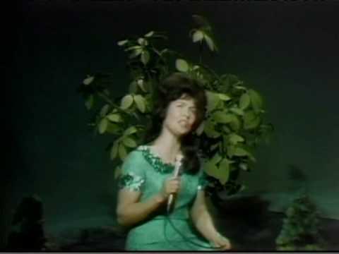Loretta Lynn - Some Kind Of A Woman