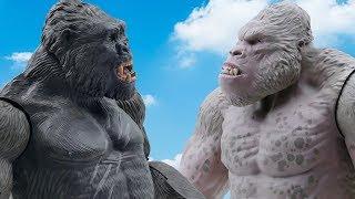 Power Rangers & Marvel Avengers Toys Pretend Play | Gorilla Vs King Kong