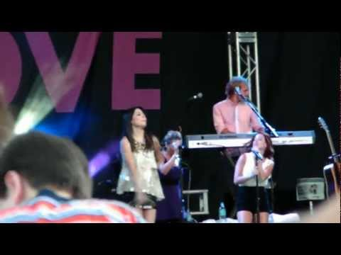 """Miranda Cosgrove - """"About You Now"""" (Live)"""