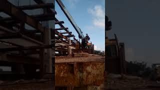 Xe cẩu tự hành lắp ghép ván khuân gìan gíao cầu