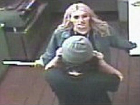 Jamie Lynn Spears grabs a KNIFE during sandwich shop brawl