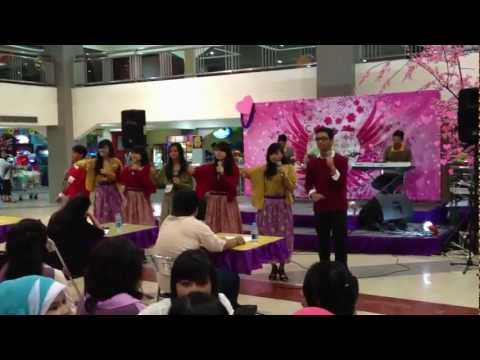 Vocal Group Sman 24 Bandung - Cingcangkeling video