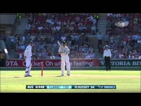 2nd Test v SA - Clarke Reaches 200