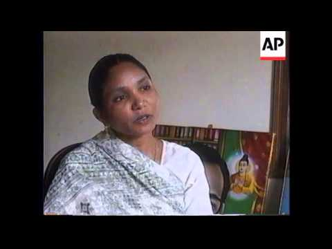 """INDIA: """"BANDIT QUEEN"""" ADOPTS 12 YEAR OLD GIRL"""