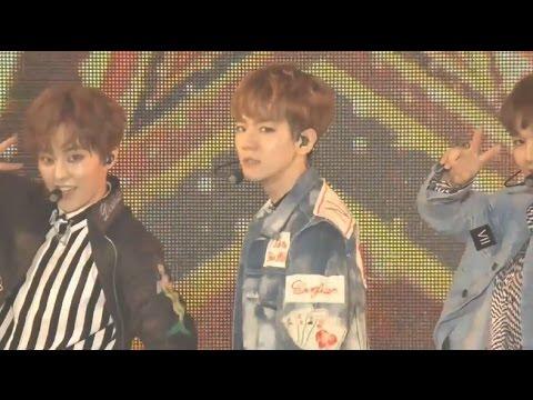 [LIVE] EXO-CBX - Ka-CHING! | GirlsAward2017