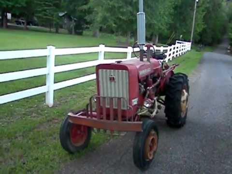 Original 1968 IH Farmall 140 Tractor DEMONSTRATION - Video 1 of 2