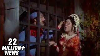 download lagu Mera Naam Hai Chameli - Kum Kum - Raja gratis